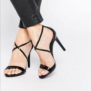 Steve Madden Feliz patent black sandals sz 7